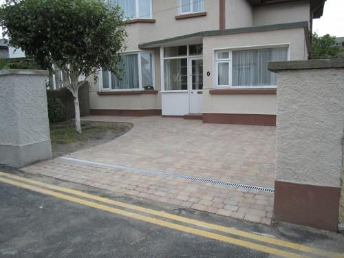 Cobblelock driveway after work
